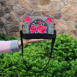 2020 new ethnic style bag fashion simple embroidery flower bag retro canvas bag casual women's bag shoulder messenger bag