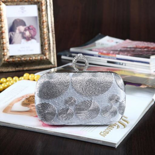 Fashion women's bag with diamond-studded finger evening party bag Korean version of woven floral cloth bag