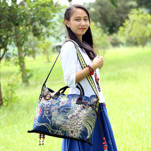 Factory wholesale 2016 new Yunnan ethnic style female bag, canvas embroidered crossbody portable dual-use female bag