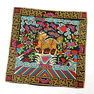 Factory direct sales of Qing Dynasty official uniforms tonic embroidered pieces, military attaché Yipin Kylin embroidery pieces, telephone pads, ethnic craft