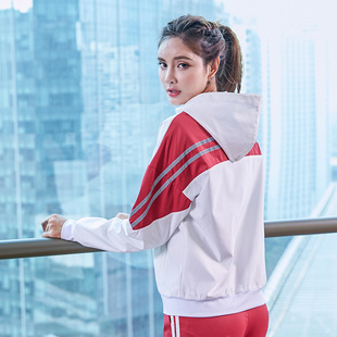 Yoga new hit color long-sleeved sports jacket women's comfortable and breathable fashion hooded running sports zipper cardigan
