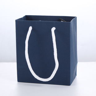The new stock tote bag can be matched with a variety of jewelry boxes, paper tote bags, multiple specifications, colors, and sizes can be customized